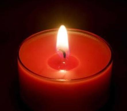 宜宾地震,祈福蜡烛.jpg