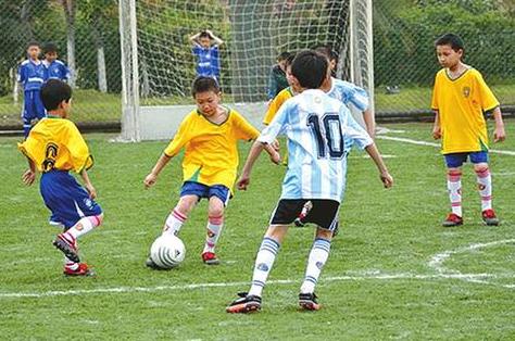 校园足球联赛 政策落地是关键.jpg