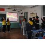 上海敬业初级中学老师对我们很和蔼