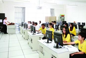 广州市祈福英语实验学校相册