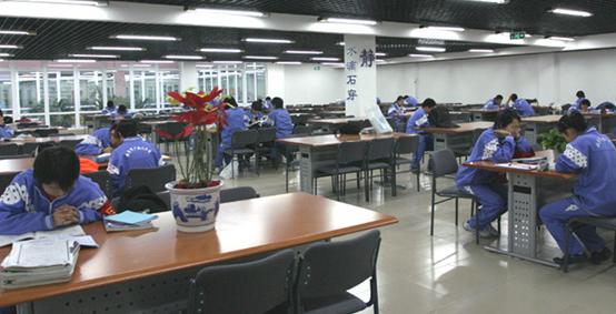 广渠门中学3.jpg