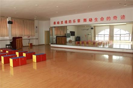 秦淮外国语学校音乐教室.jpg