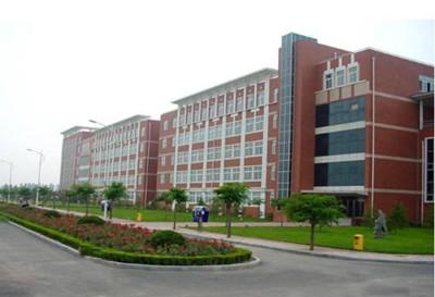 河南工业职业技术学院2.jpg